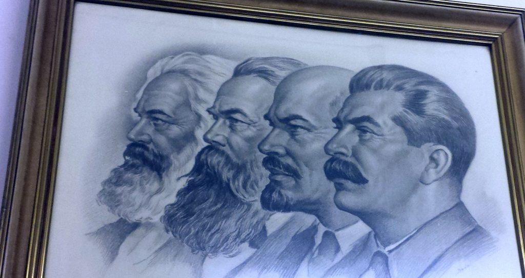 Marx, Engels, Lenin, Stalin waren die Ikonen des Kommunismus. Sie zierten tausendfach die Wände in der DDR.