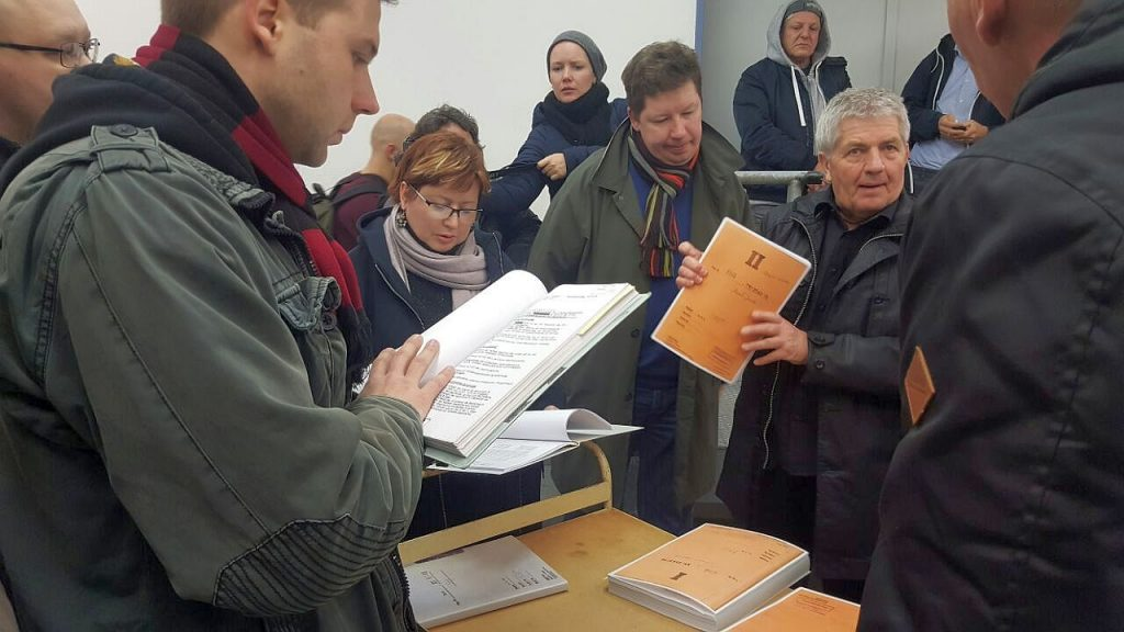 Ehemalige Häftlinge aus Russland beim Stasi-Unterlagen-Beauftragten Roland Jahn