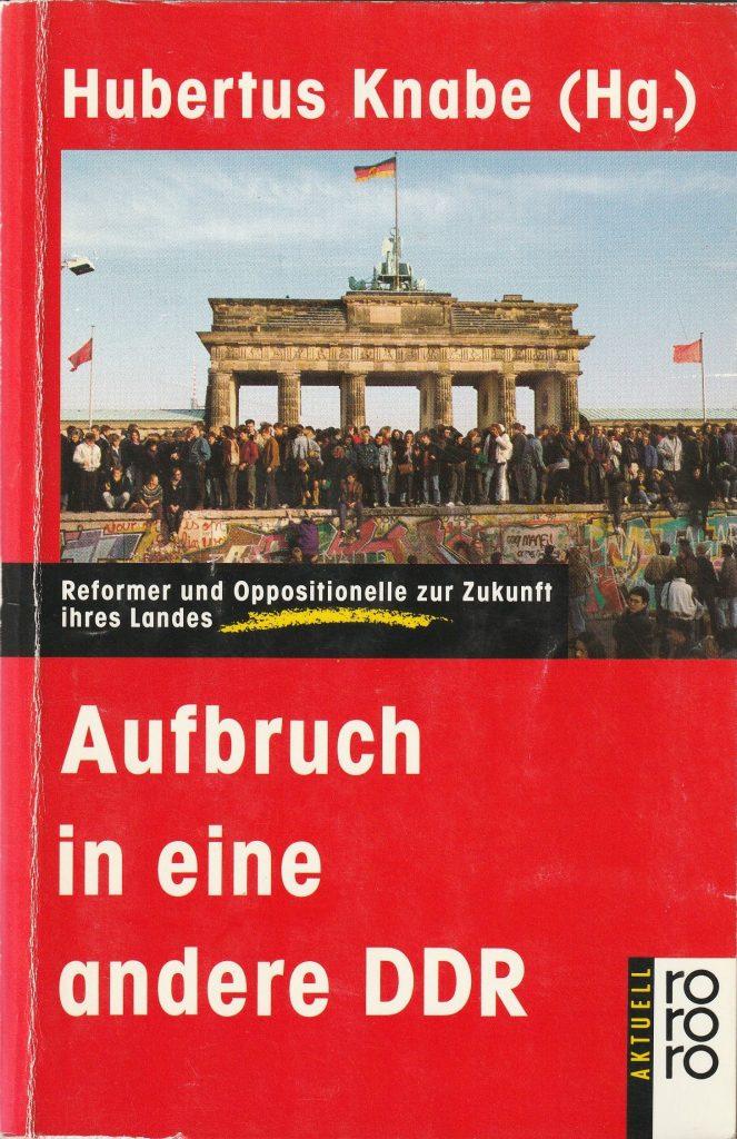 Mitten in der Friedlichen Revolution im Herbst 1989 äußern sich Wolf Biermann, Jürgen Fuchs, Ulrike Poppe, Lutz Rathenow und andere über die offene Zukunft der DDR.