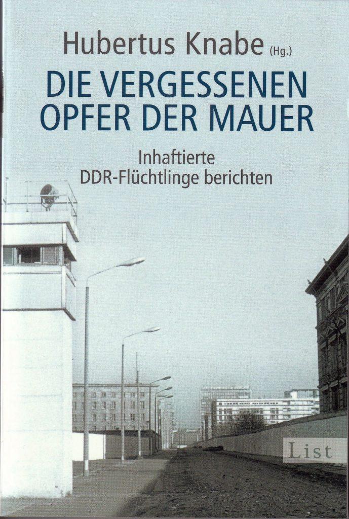 Um über die deutsch- deutsche Grenze zu kommen, riskierten die DDR-Flüchtlinge ihr Leben und das ihrer Helfer. Aber viele schafften es nicht, den Todesstreifen zu überwinden. Manche wurden beim Fluchtversuch getötet, die meisten jedoch verhaftet und fortan von der Stasi wie Schwerverbrecher behandelt.