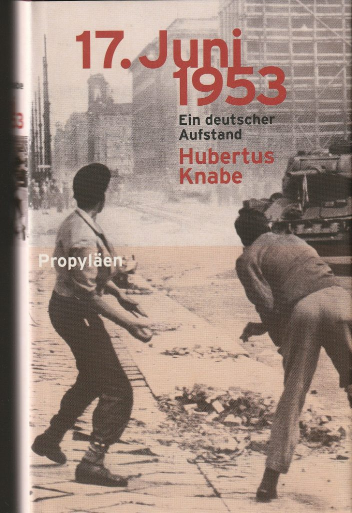 Am 17. Juni 1953 kam  es im Osten Deutschlands zu einer Volkserhebung:  Hunderttausende traten in den Streik, auf Demonstrationen in Berlin und weiteren Städten wurden freie Wahlen gefordert.