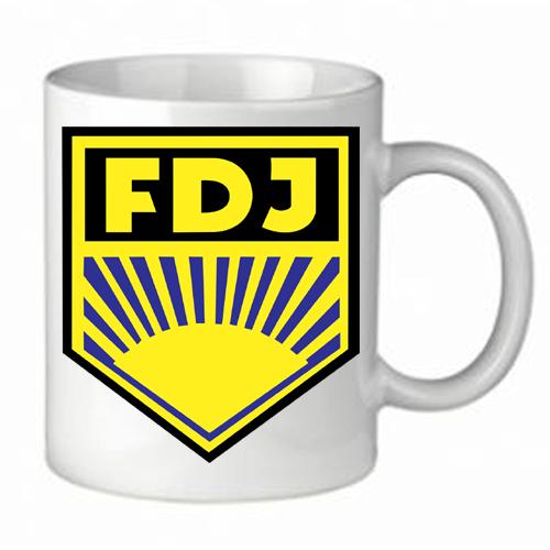 Tasse mit verbotenem FDJ-Symbol