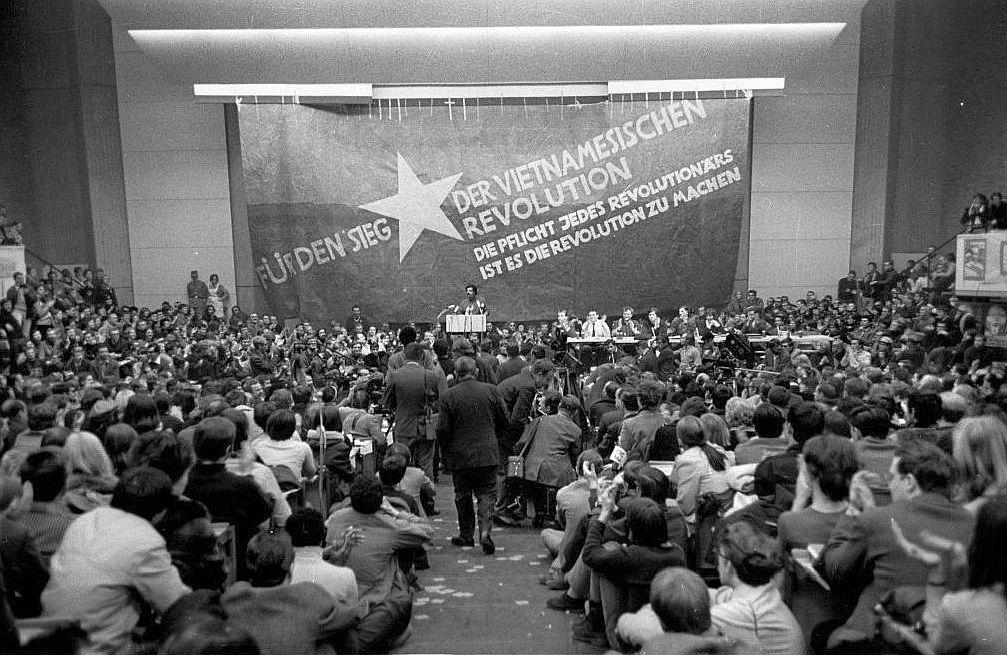 Der Internationale Vietnamkongress fand am 17. und 18. Februar 1968 im Auditorium maximum der TU Berlin in West-Berlin statt und wurde vom SDS veranstaltet.