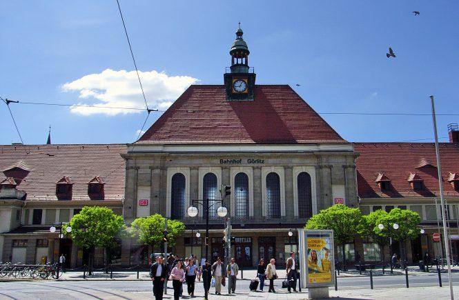 Der Bahnhof von Görlitz war 1953 Schauplatz des Volksaufstandes vom 17. Juni. Wie zahlreiche andere öffentliche Gebäude der Stadt wurde er von Demonstranten besetzt.