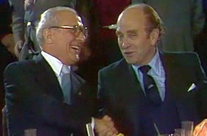 Am 11. Dezember 1981 lud Bundeskanzler Helmut Schmidt in der DDR zu einem Abendessen. Mit dabei im Jagdschloss Hubertusstock auch Bundeswirtschaftsminister Otto Graf Lambsdorff.